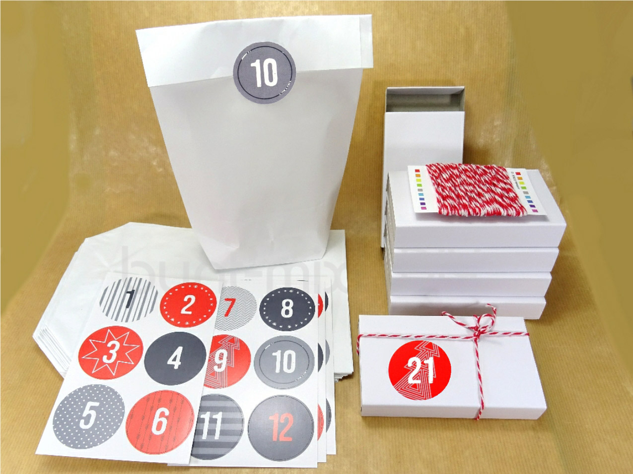 Adventskalender 24 Schachteln Papiertüten mit Zahlen zum aufkleben Weihnachten !